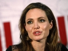Angelina Jolie ��in Doktorlar Ne Diyor?