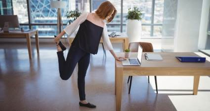 Masa başında çalışanlara 10 egzersiz