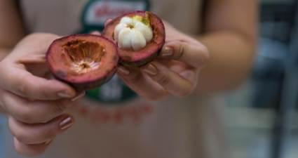 Mucize meyve mangosten şifa saçıyor