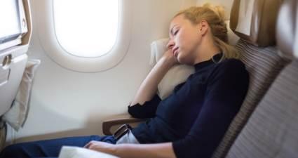 Uçak inerken sakın uyumayın!